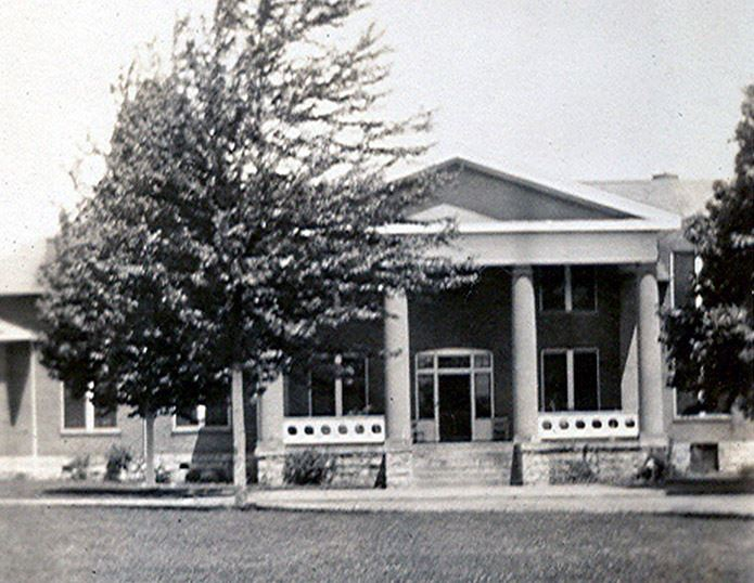 Colonial Manor c1940
